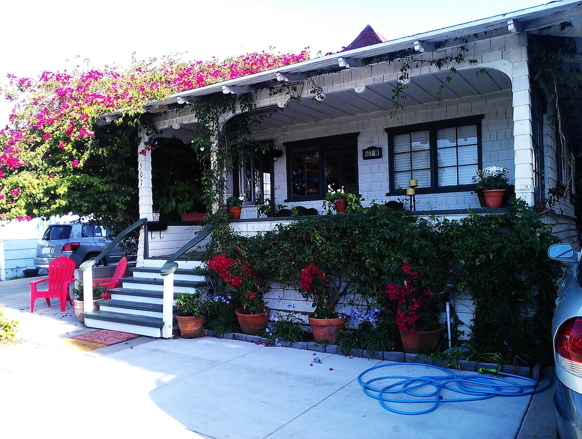 One of a kind, original 1907 Balboa beach cottage