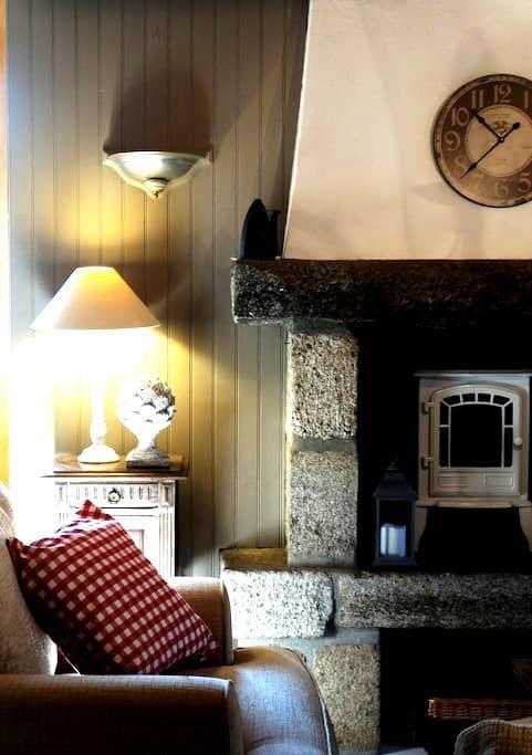 Le Petit Artichaut - La Feuillée - House