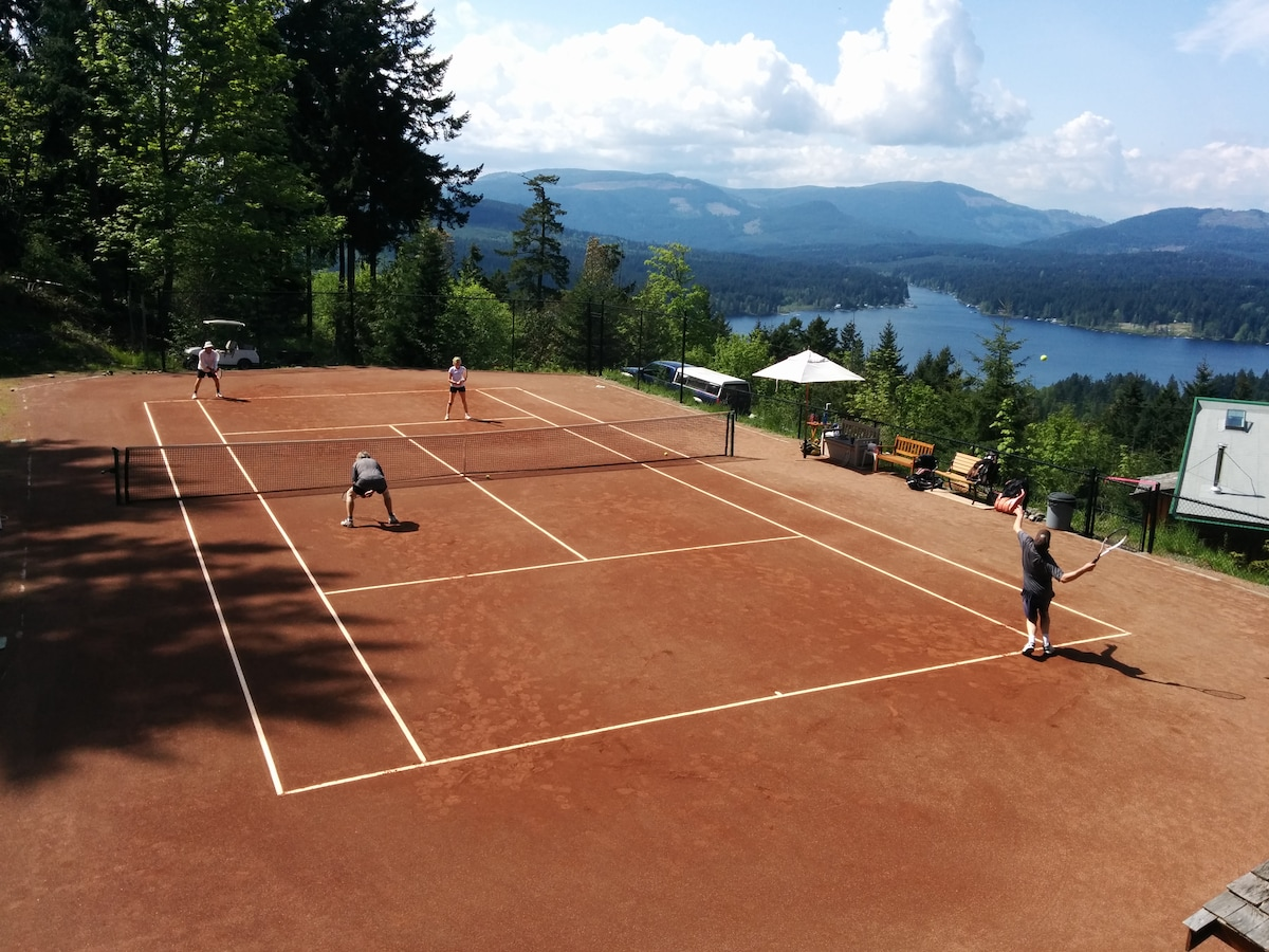 Clay Court Tennis + Lake Resort