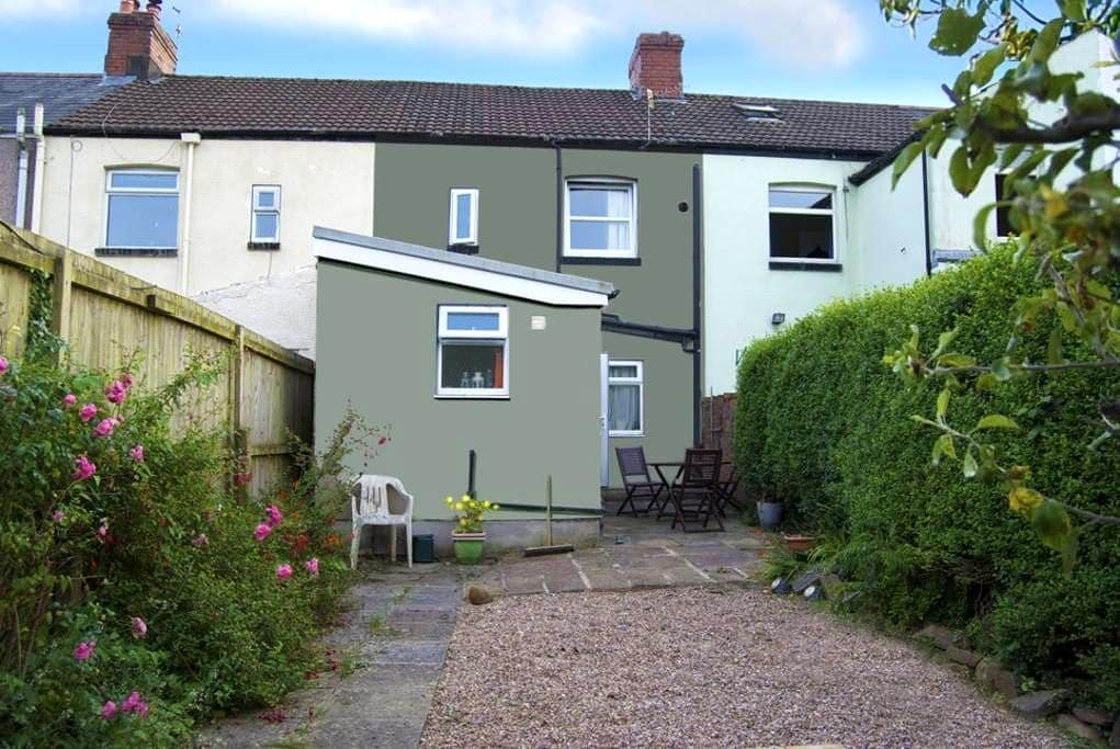 Comfortable 3 bedroomed house - Taff's Well - Hus