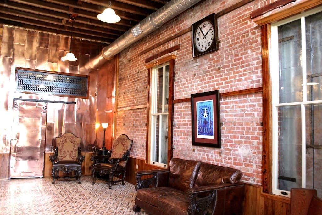 Refurbished bank, antique decor, 100 yr+ - Patterson