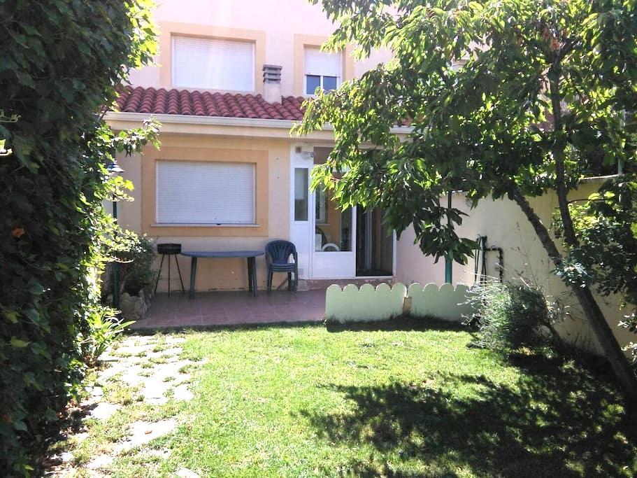 """Apartamento con garaje y jardín """"El Cerezo"""" - Chillarón de Cuenca"""