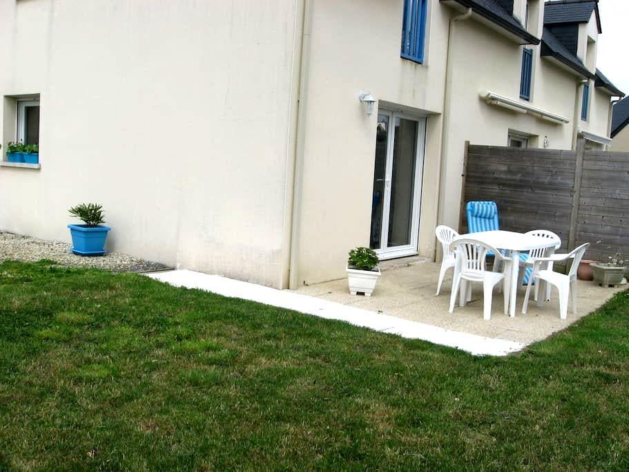 Meublé à quelques pas de la mer - Saint-Cast-le-Guildo - House