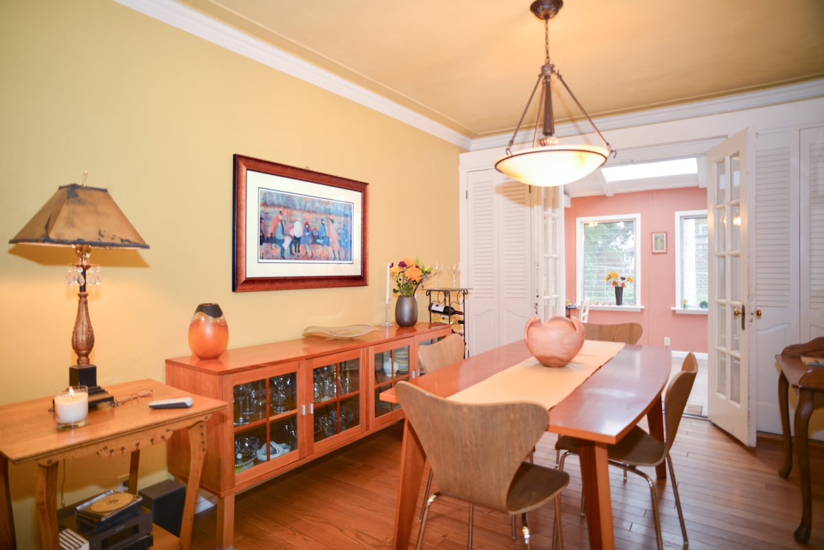Breakfast in the dining room or in the adjacent sunroom.