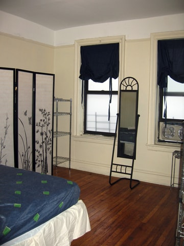 "Bedroom. Queen-sized bed. 27"" TV/Cable/WiFi. Portable air conditioner. Portable crib. Wardrobe with hangers.  Telephone - local, long distance (US, Canada, Puerto Rico)"