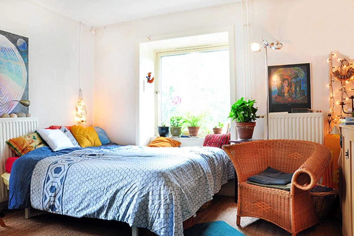 Bright Room with Canal View