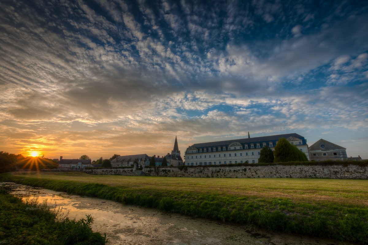 Another wonderful stunning sunset over the abbey opposite.