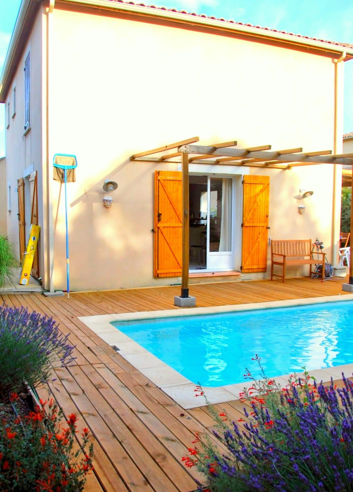 Charming house w/ pool and wifi