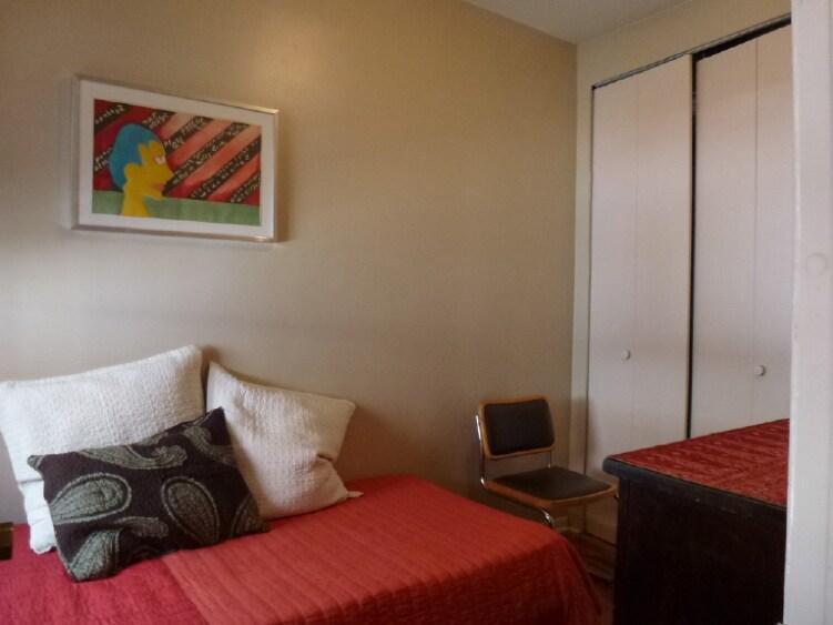 Cozy Comfortable Room, East Village