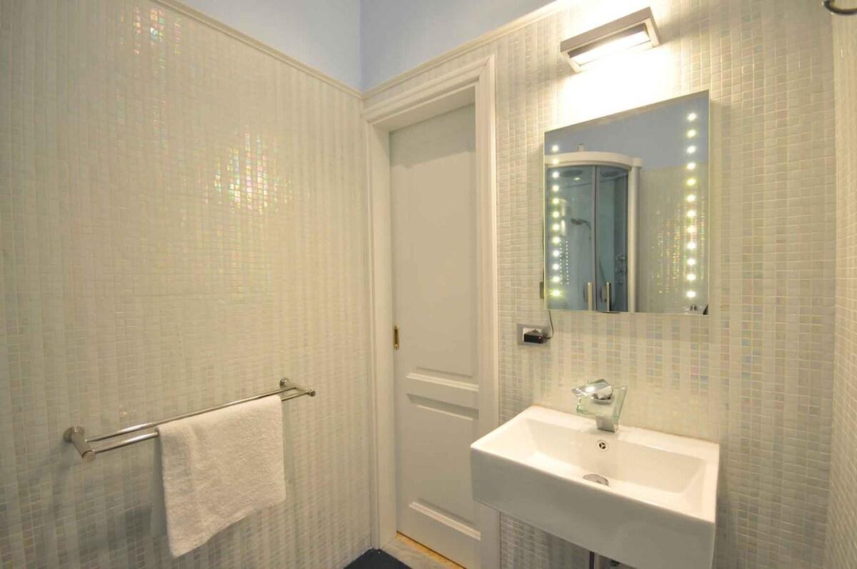 PISA  SWEET ROOM PRIVATE BATH