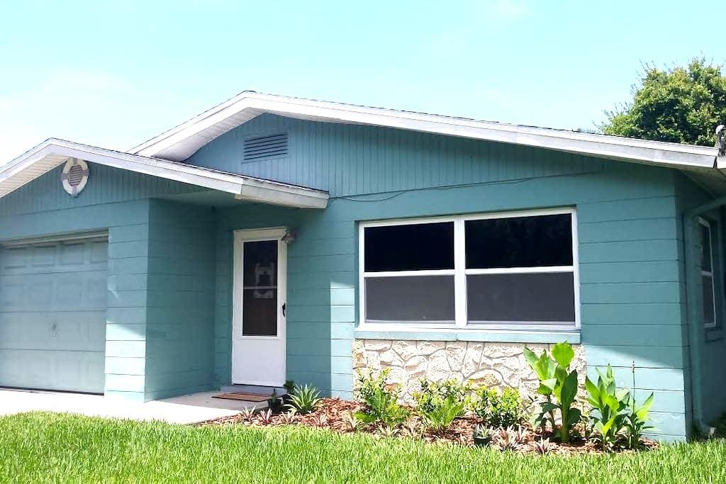 Pet Friendly - 1.5 miles to Beach! - Port Orange