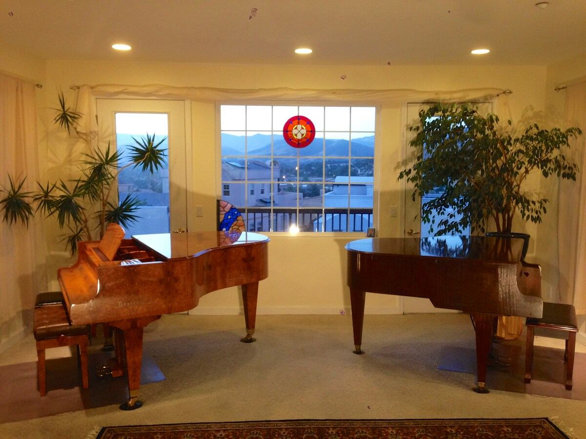 Grand pianos in great room