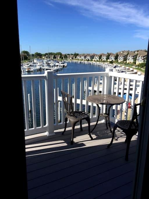 Cozy 1 bedroom condo in beautiful Harbor Village - Manistee