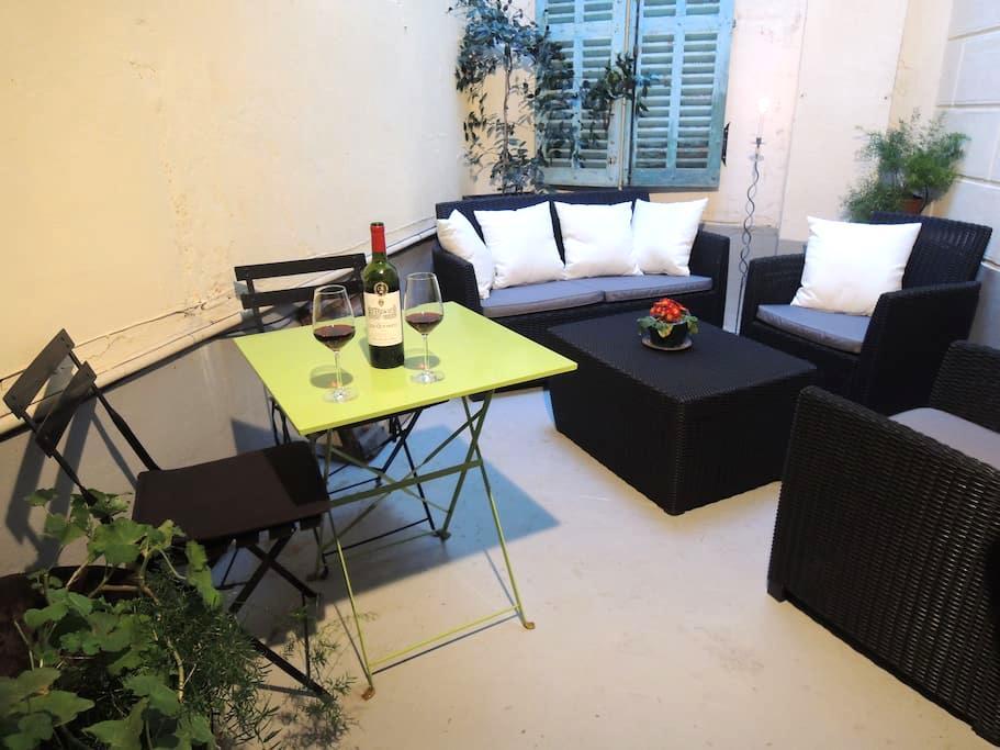Spacious, central one-bedroom apt - Limoux - Apartamento