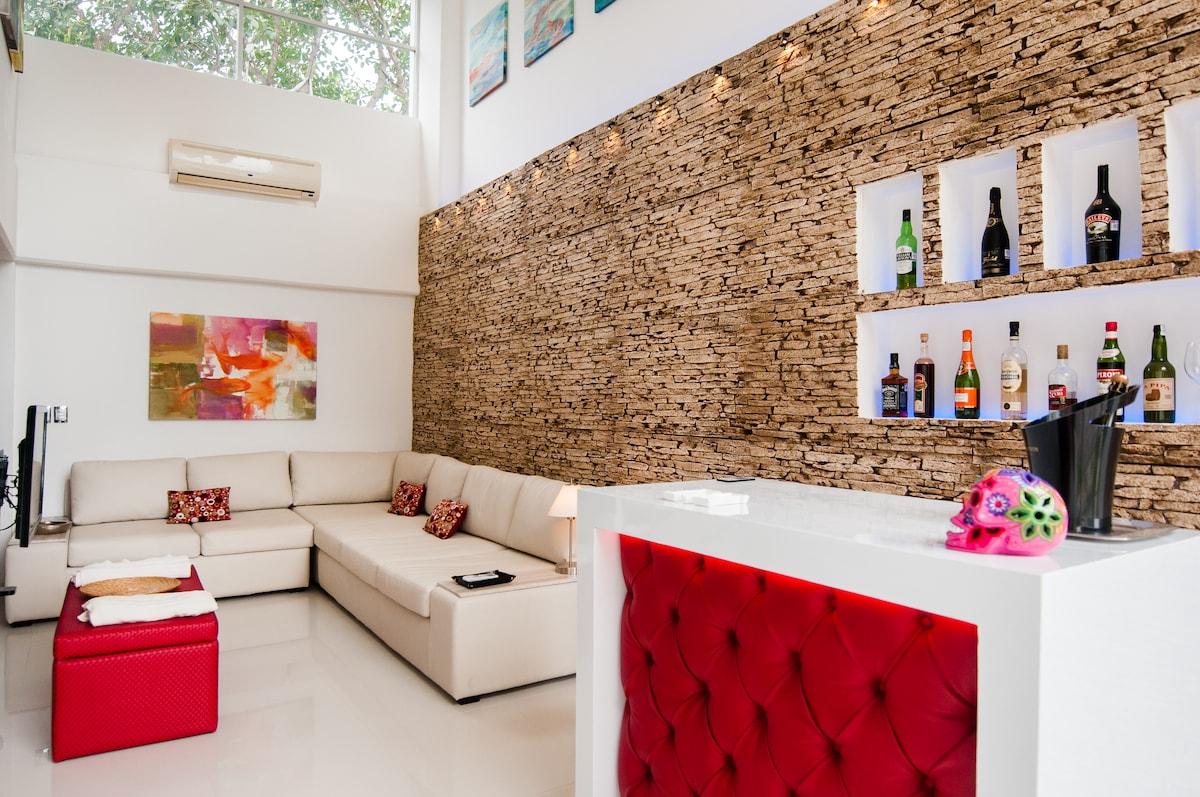New Luxury Cancun Condo Near Beach!