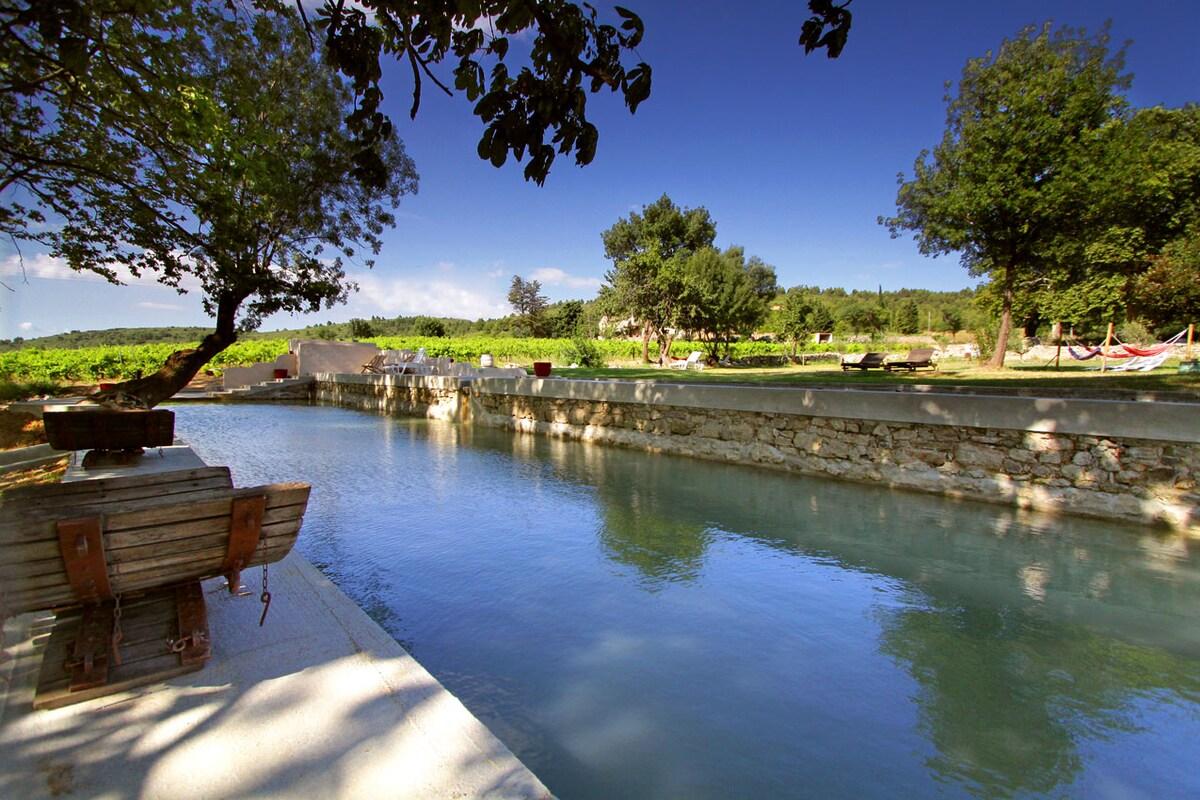 Stunning Wine Cottage, Stone Pool