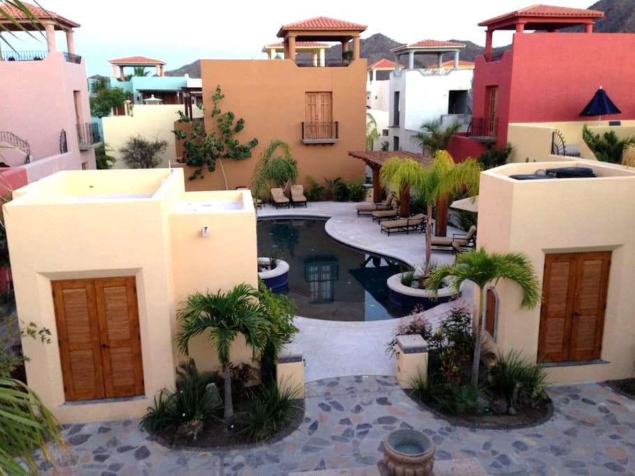 Beautiful Home on the Pool - Loreto - House