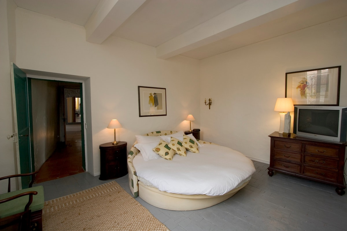 B&B King Size Bedroom (En-suite)