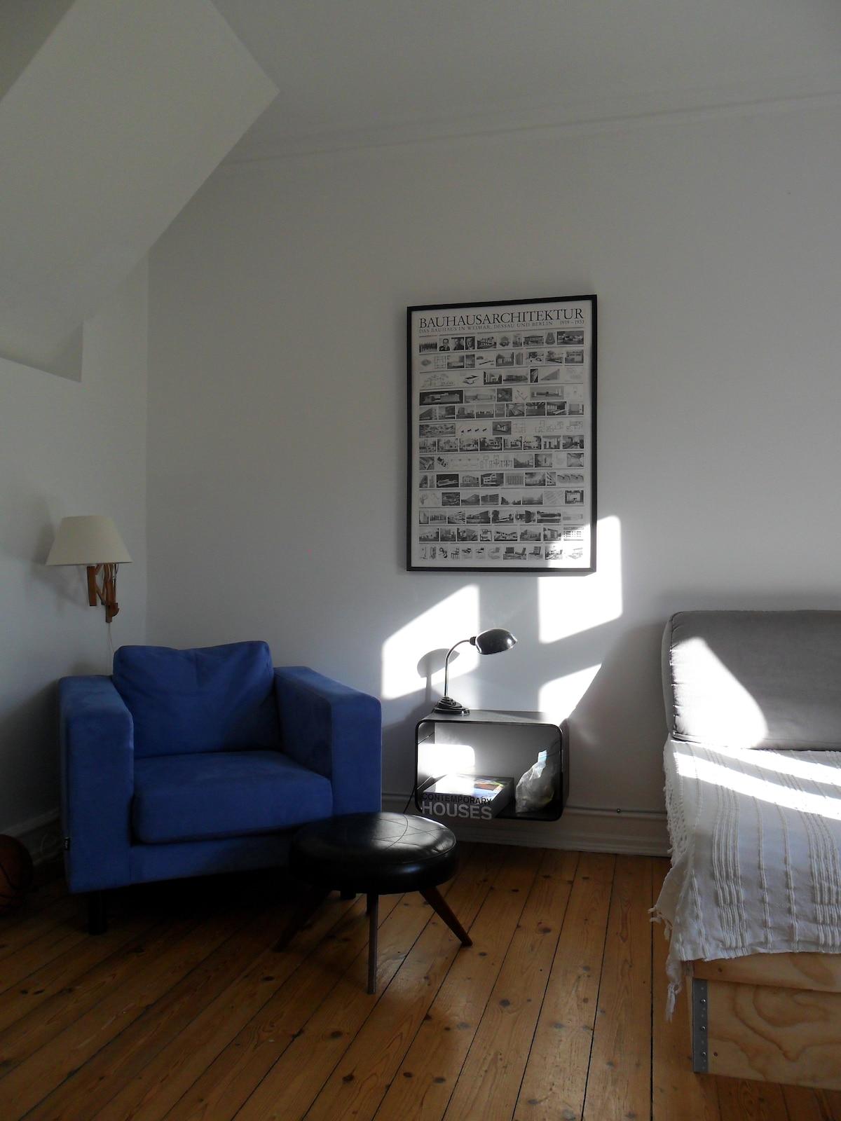Comfi armchair