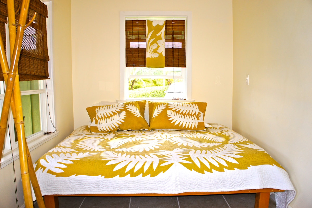 Very comfortable queen size bed complete with sweet dreams!