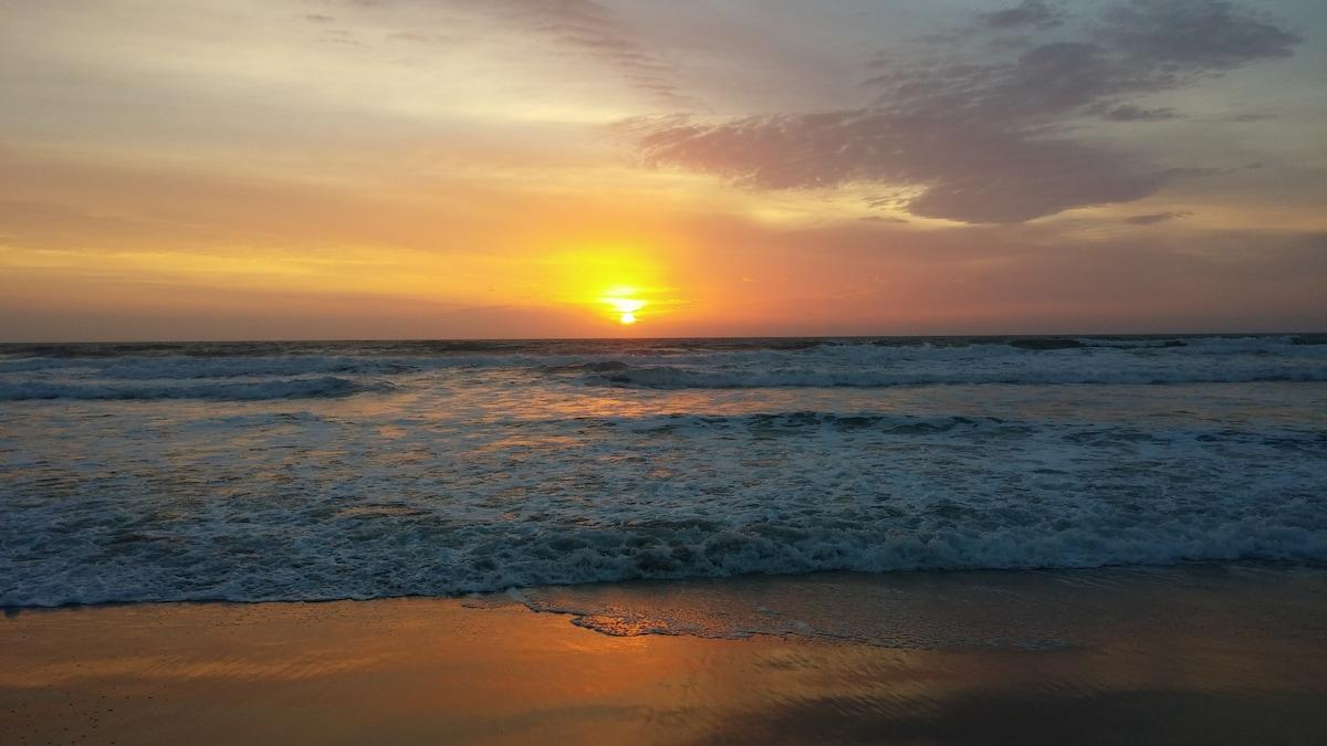 Beautiful Ocean Sunrises