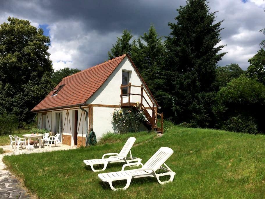 Maison dans la forêt - Chamant - บ้าน