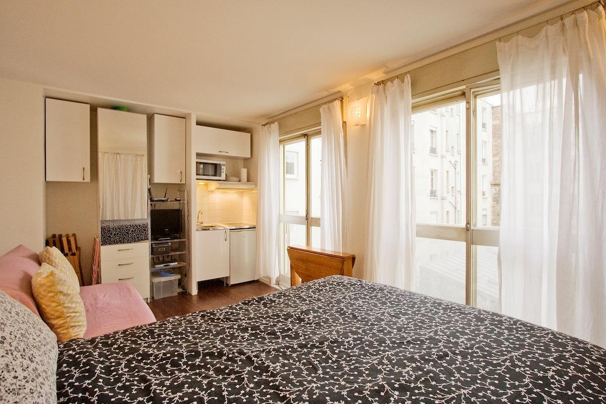 Montmartre Studio 7