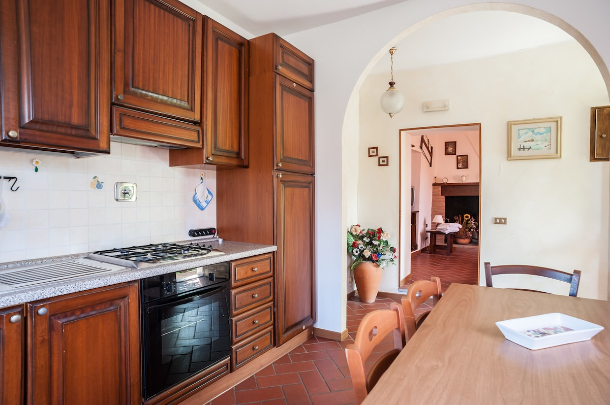Apartment near Assisi with balcony