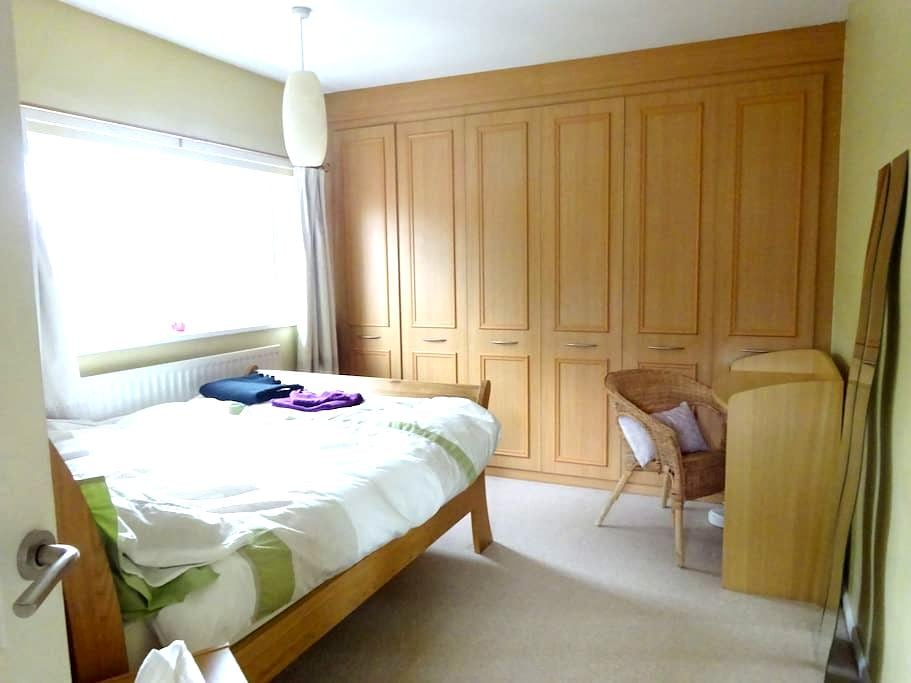 Bright Room in  North Manchester - Prestwich - House