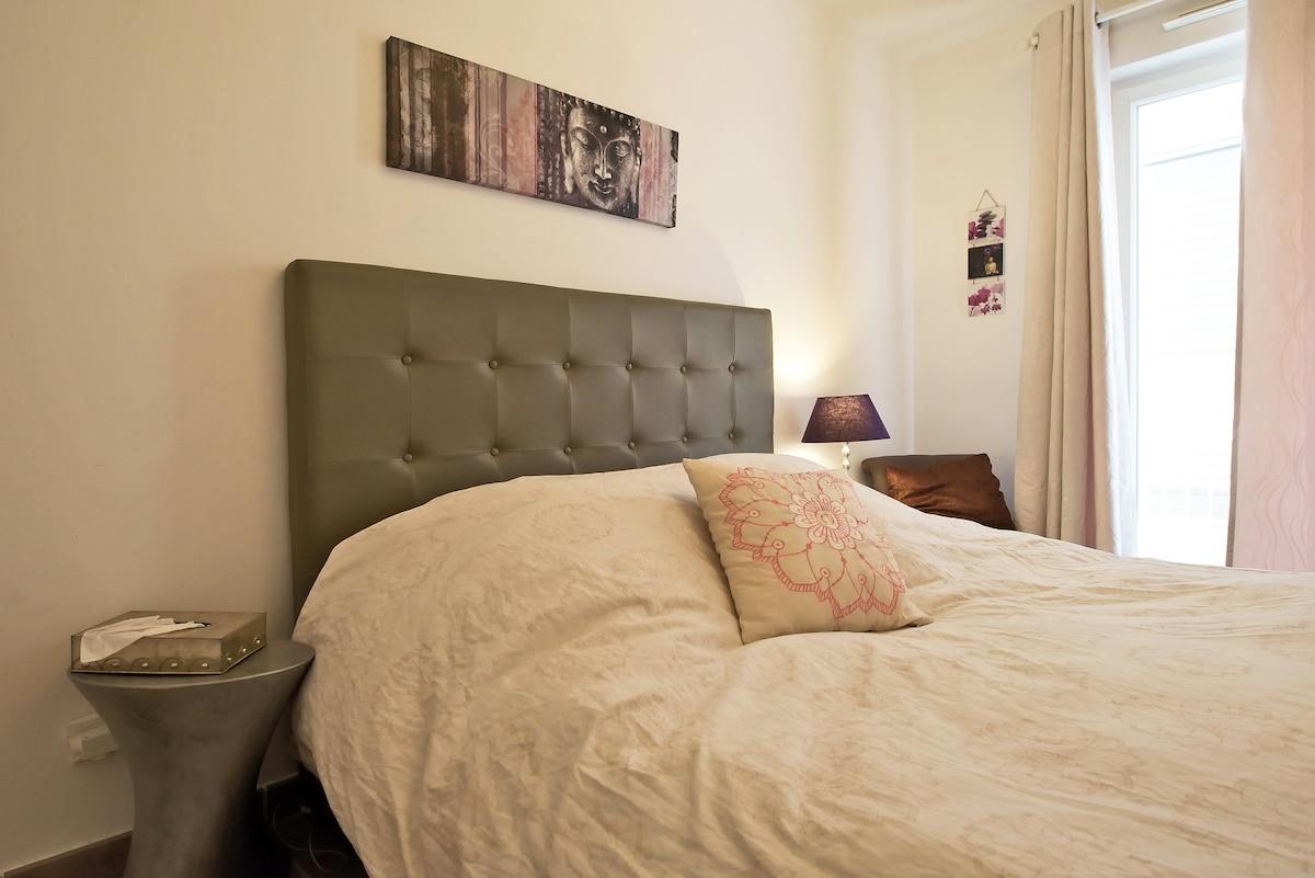 La chambre avec accès terrasse de 12m²
