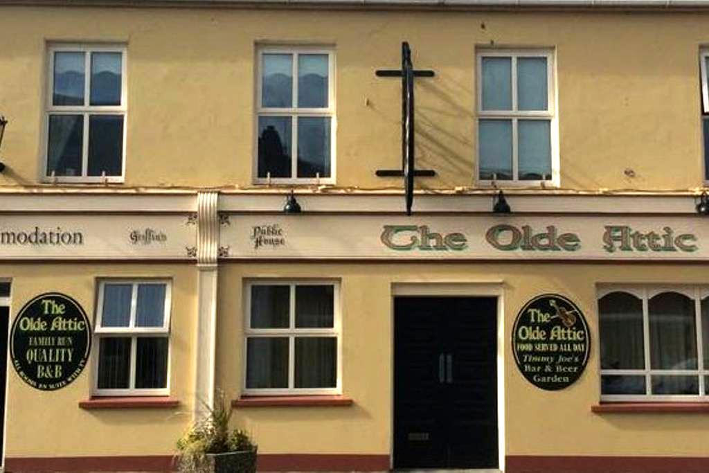 Centrally located B&B - Olde Attic - Ballybunion - Bed & Breakfast