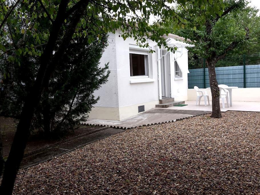 Charmante maison & jardin/terrasse - Orléans