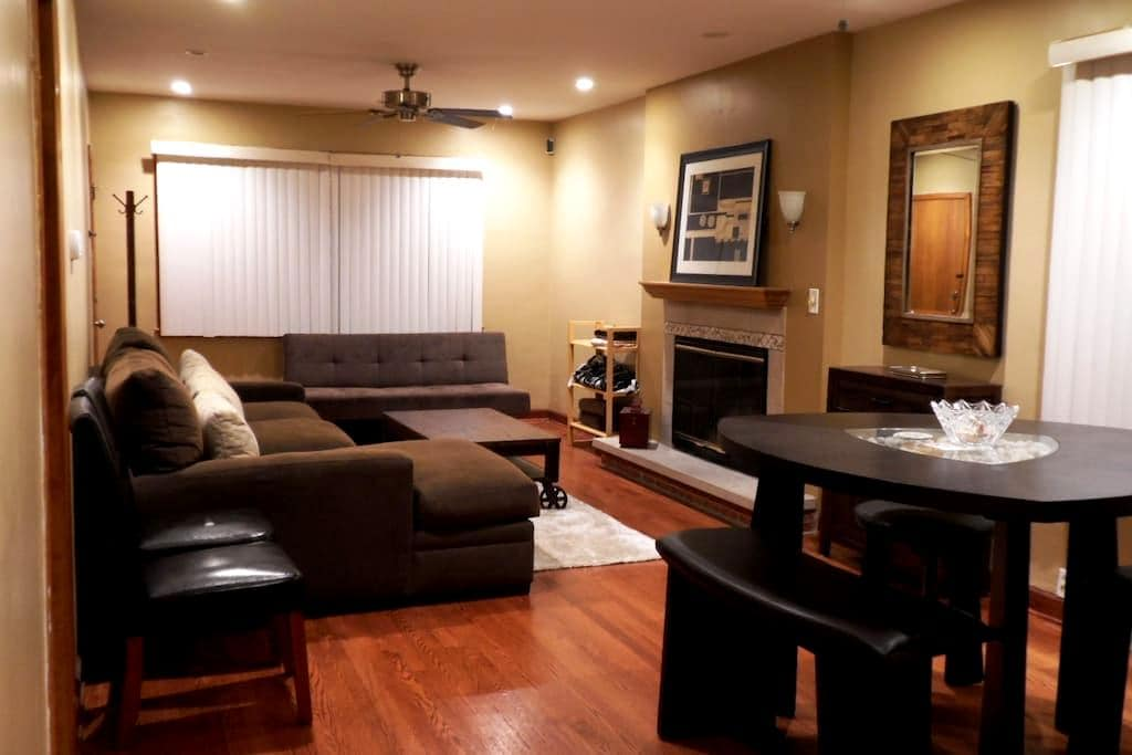 Private Beautiful 1 Bedroom Condo - Chicago - Appartement