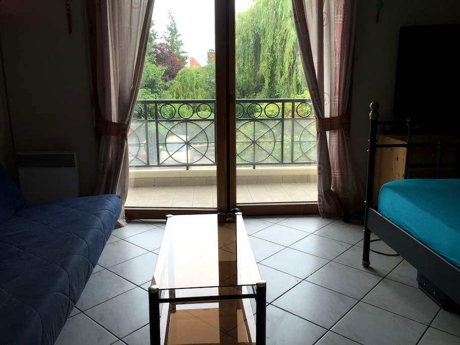 Large Studio, 20min from Paris and 10min from CDG. - Aulnay-sous-Bois - Huoneisto