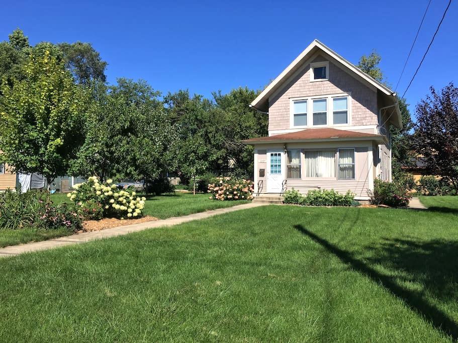 VINTAGE HOUSE IN DES MOINES - Des Moines - Huis
