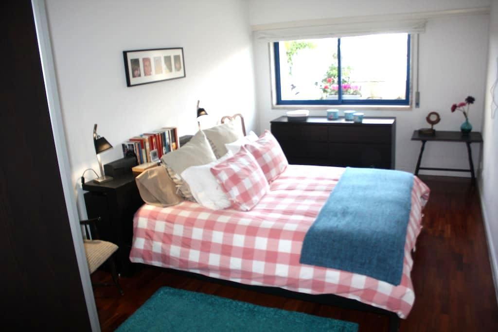 Room & breakfast Terrace Mira Tejo - Algés - Bed & Breakfast