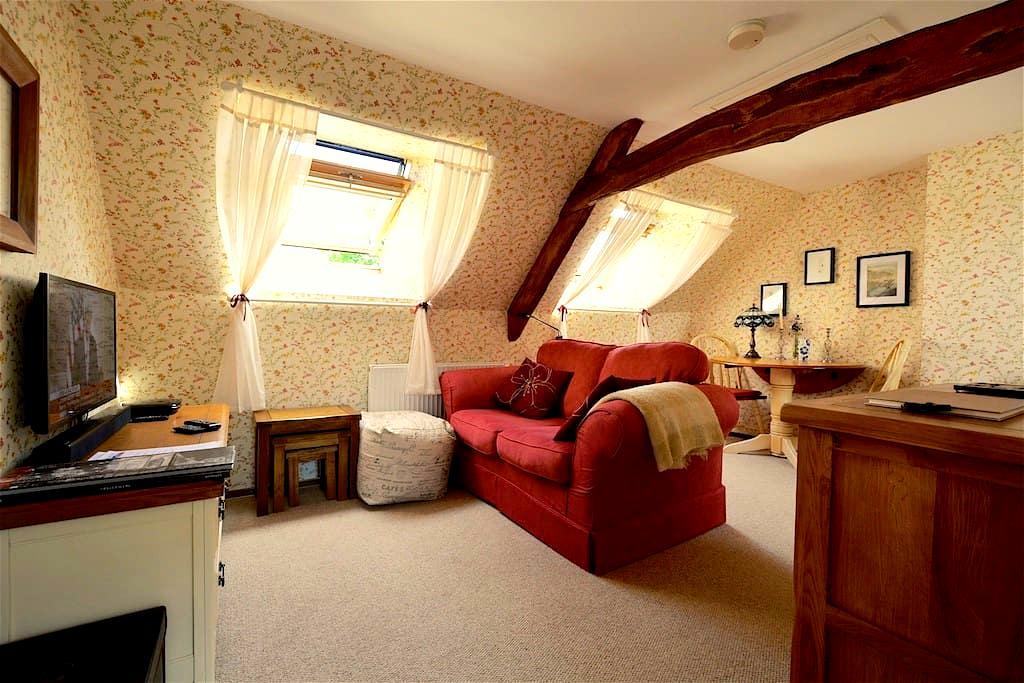 Gilfach Barn Loft - a rural hideaway - Powys