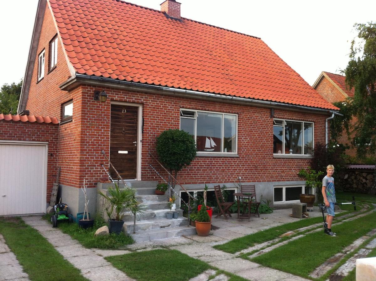 Dejlig murermestervilla og terrasse