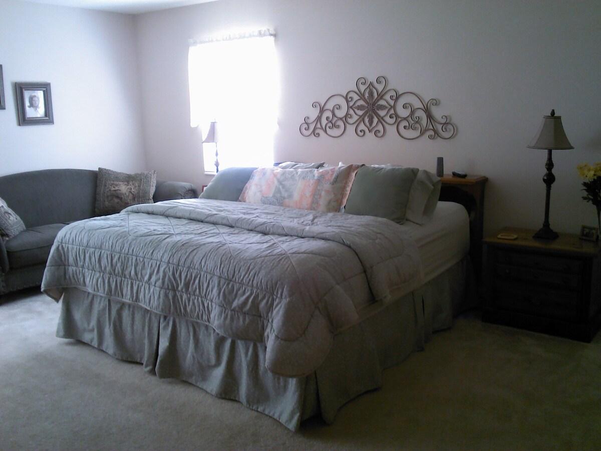 Bedroom/Living Room/Bathroom