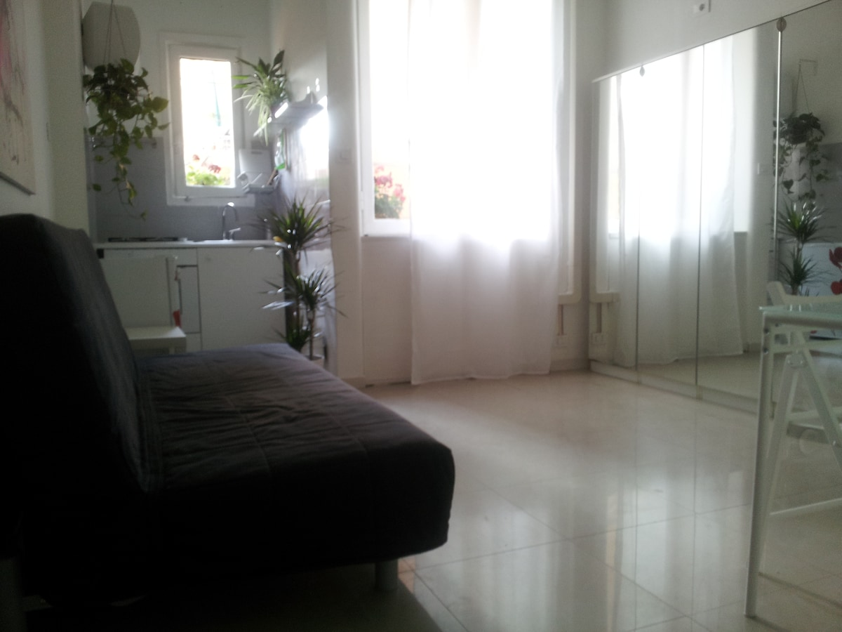 Comfy, Quiet & Well situated apt