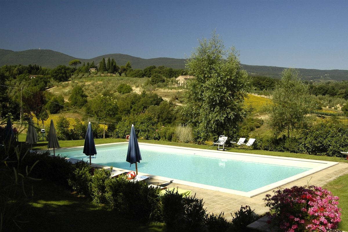 Ortensia: Country House in Tuscany