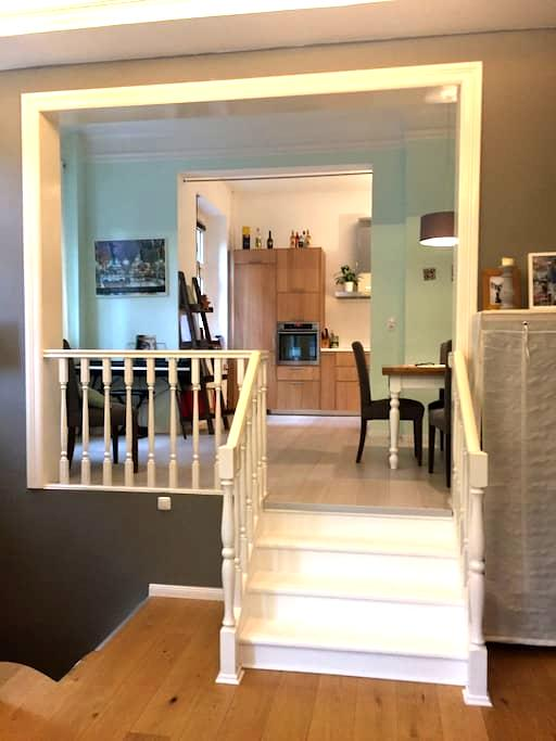 quiet, cozy and central apartement :) - Hampuri - Huoneisto