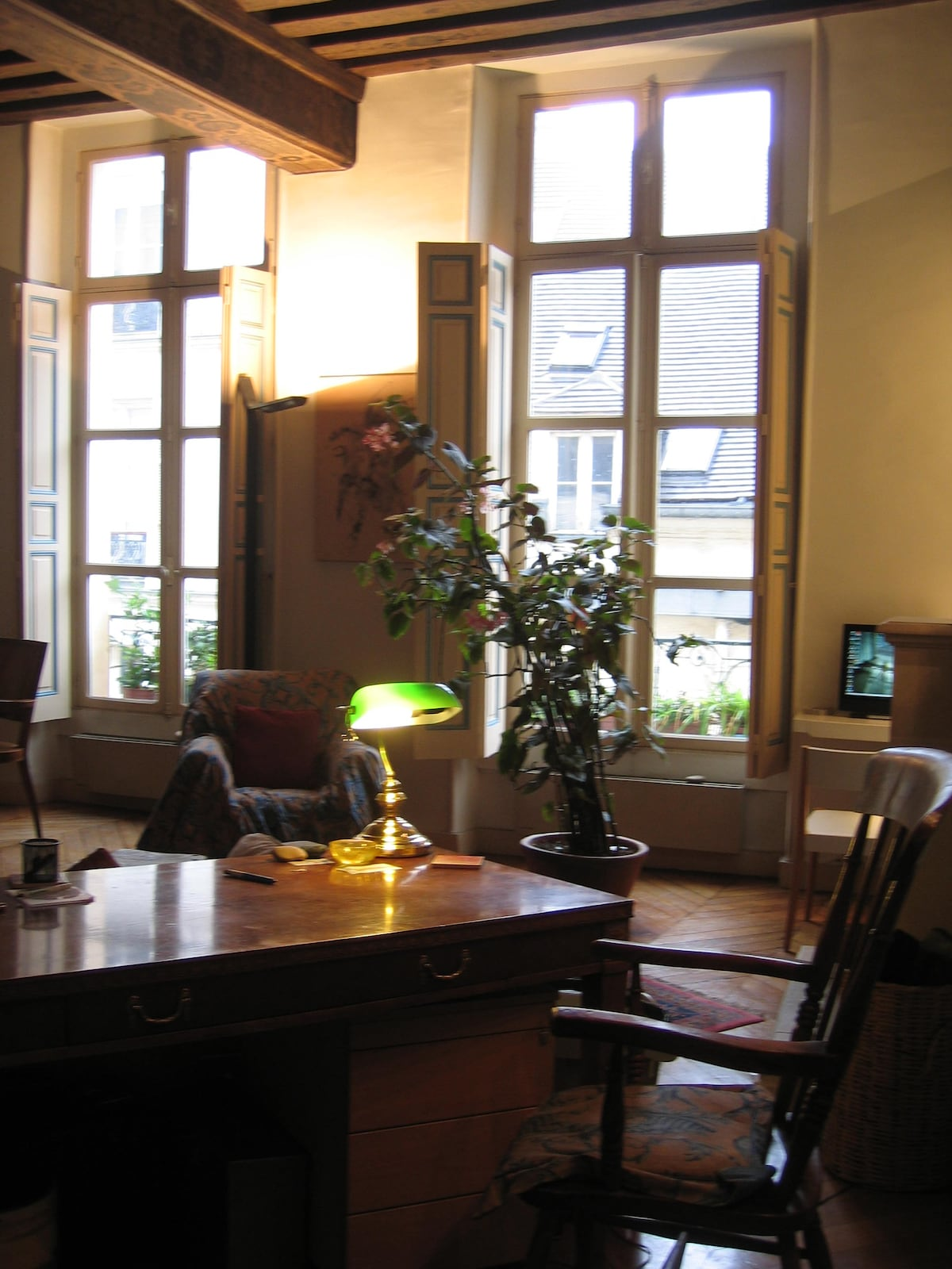 Stunning Flat Central St Germain