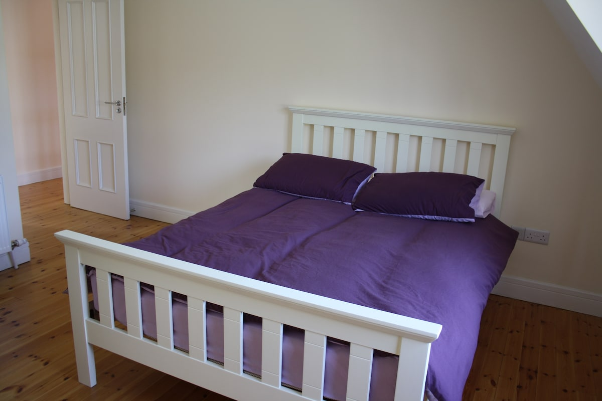 Ensuite Bedroom with Garden View
