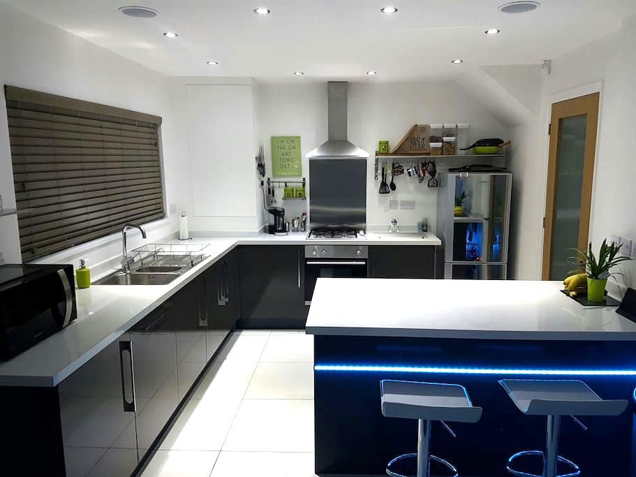 Modern, clean, good value - Cardiff