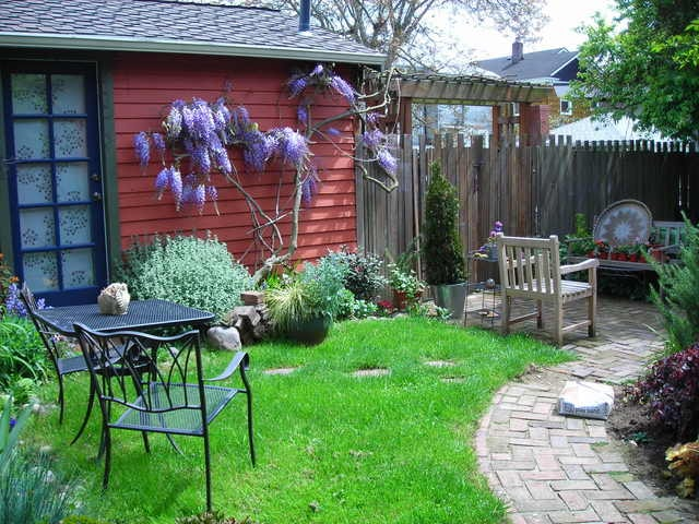 Fab, private seattle urban cottage!