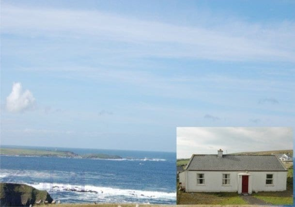 Cottage in beautiful Glencolmcille