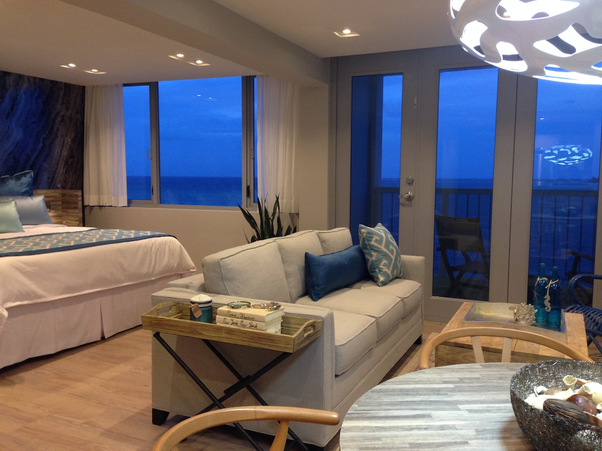 Isla Verde Beachfront Apartment