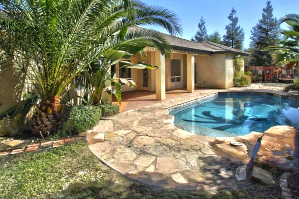 Beautiful Home (A) WiFi/TV/Pool/Wash&Dry - Bakersfield - Σπίτι