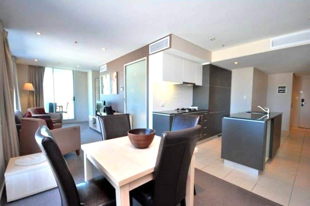 **EXECUTIVE SKY VIEW 2BR** - Adelaide - อพาร์ทเมนท์